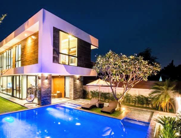 Beautiful Modern 2 Story 3 Bedroom House With Designer Pool